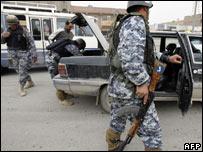 Chequeos de seguridad en Bagdad