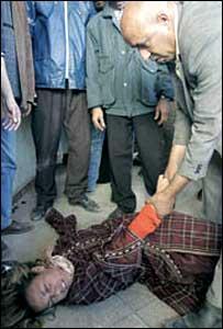 Torbi el Mekki blesses a patient