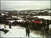 Burials in Racak, February 1999