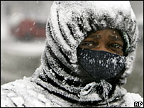 A Chicagoan bundles up against the weather, Feb 2007