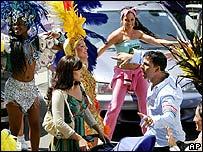 Bollywood stars Vidya Balan and Akshay Kumar sing in the film Heyy Babyy