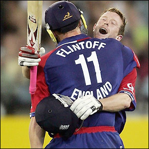 Flintoff and Collingwood celebrate the latters century