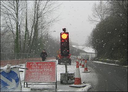 Traffic light in snow in Porth, Rhondda. Photo: Sam Ellis, aged 12