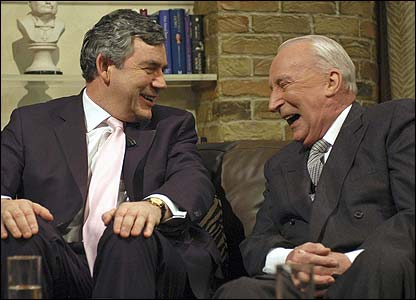 Ian Richardson (r) with Gordon Brown