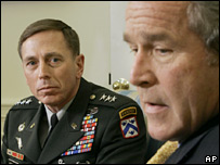 Lt Gen David Petraeus and President Bush