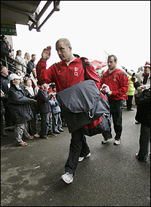 The England skipper Phil Vickery arrives at Twickenham