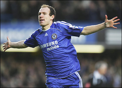 Robben celebrates the Blues second goal