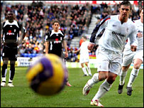 Gary Speed scores from the spot against Fulham