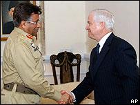 Pervez Musharraf and Robert Gates