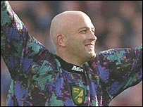 Norwich cult hero Bryan Gunn