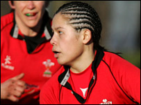 Fly-half Naomi Thomas again starred for Wales Women (aosportsphoto)