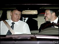 Владимир Путин в автомобиле короля Иордании Абдаллы. За рулем - сам король
