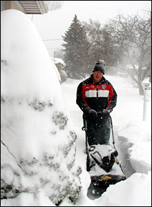 Snowfall in Ontario, Canada: photo from Harry Cardwell