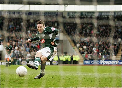 Plymouth's Kevin Gallen steps up to convert a penalty