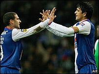 Gonzalez y L�pez