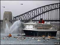 Queen Mary 2 arrives in Sydney Harbour