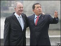 Alcalde de Londres, Ken Livingstone (izq.) y Hugo Chávez (Foto de archivo)