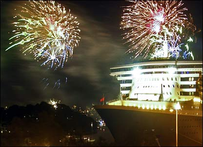 QM2 and fireworks