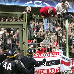 Manchester United fans at the Stade Felix Bollaert