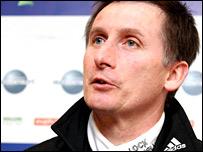 Newcastle boss Glenn Roeder