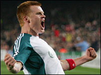 John Arne Riise celebrates Liverpool's winner