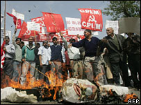 Protests against Wal-Mart in Delhi