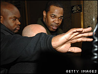 Busta Rhymes (centre)