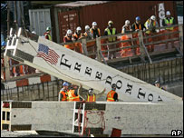 Raising of steel column marks start of construction of Freedom Tower, New York, Dec 06