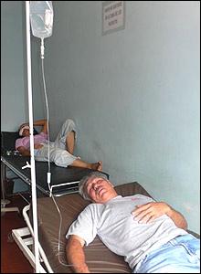 Pacientes en el Hospital de Barrio Obrero, Asunción