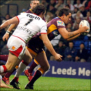 Corey Parker scores the Broncos' first try