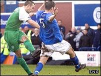 David Murphy fires Hibs into a first-half lead
