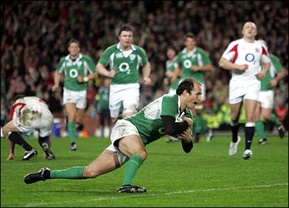 Girvan Dempsey scores Ireland's first try