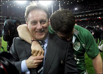 Ireland coach Eddie O'Sullivan and Gordon D'Arcy celebrate
