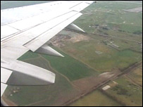 Boeing 737 flying over Romney Marsh