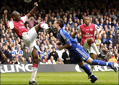 Diaby kicks Terry in the face