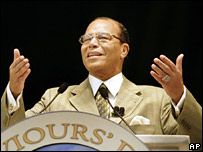 Louis Farrakhan addresses the crowd in Detroit