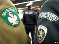 Se amplió zona Schengen _42617267_hombros203bodyapap