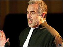 Luis Moreno Ocampo.