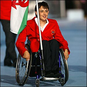 Tanni Grey Thompson leadds the Wales delegation at the 2002 Commonwealth Games in Mancheser
