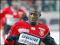 Portsmouth midfielder Arnold Mvuemba
