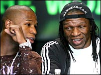 Floyd Mayweather Jr (l) and Floyd Sr