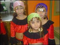 Roma girl dancers