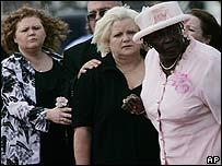 Virgie Arthur (centre), mother of Anna Nicole Smith