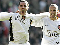 John O'Shea and Rio Ferdinand celebrate Man Utd's late winner