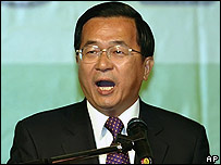 Taiwan's President Chen Shui-bian speaks in Taipei on 4 March 2007