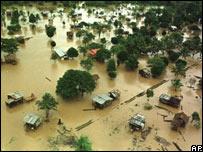 Los efectos del hurac�n Mitch tras su paso por Nicaragua  en 1998