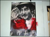 John Lennon en un poster de Charly García