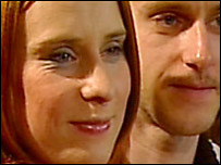 Susan y Patrick son hermanos y son pareja. Tienen cuatro hijos.
