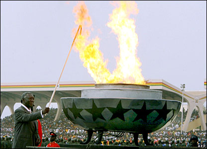 President John Kufuor lights the independence flame