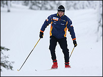 Heikki Kovalainen cross-country skiing in Finland